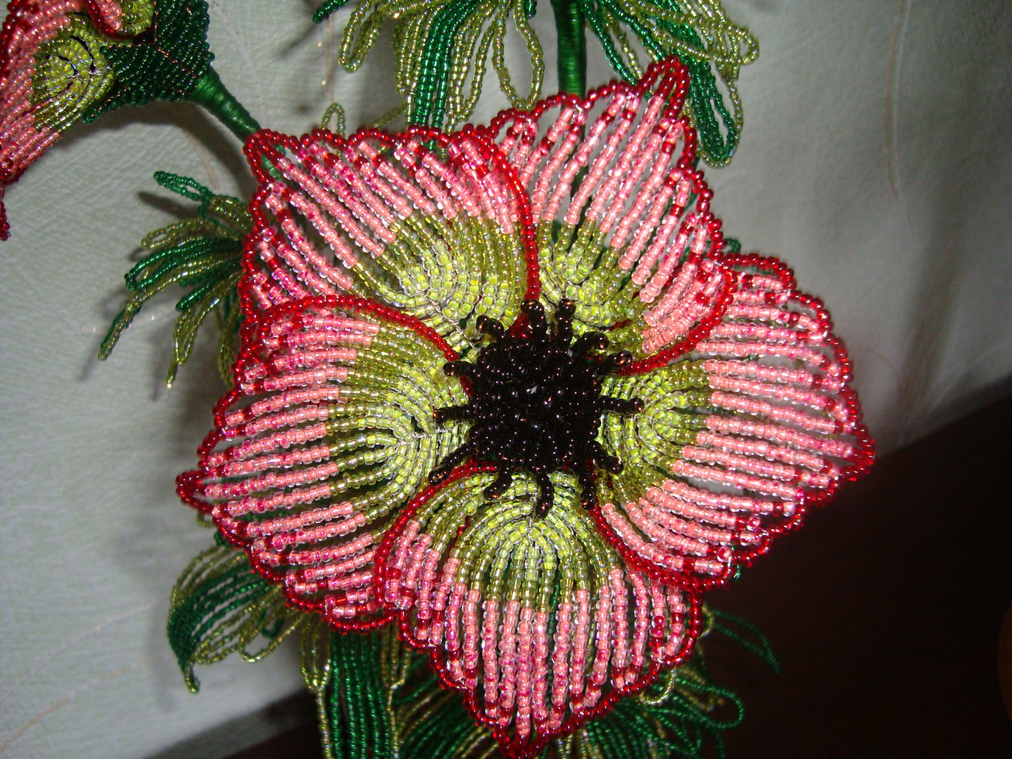 Изделия из бисера цветки